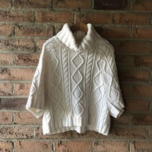 GAP | Cream cable knit cropped turtle neck short sleeve warm fall sweater